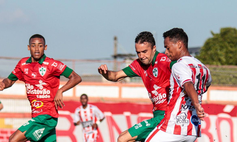 Bangu bate Portuguesa por 2 a 1
