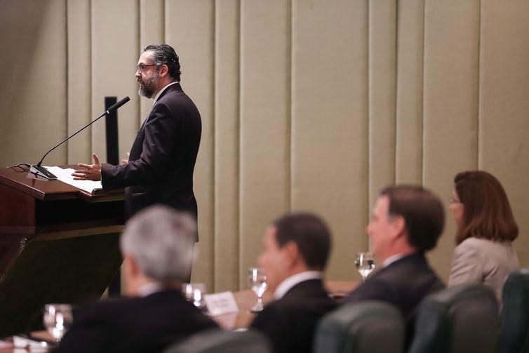 inistro das Relações Exteriores, Ernesto Araújo, participa das celebrações do Dia do Diplomata, no Palácio Itamaraty