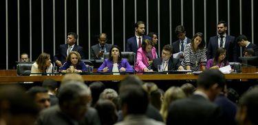 Câmara vota projetos da bancada feminina