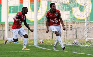 Portuguesa vence Santo André por 1 a 0