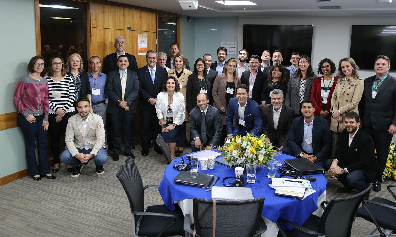 Especialistas em licitações do Banco Mundial e do governo federal se reúnem em Brasília. Banco Mundial ajuda a estruturar plano para tornar compras públicas brasileiras mais eficientes.