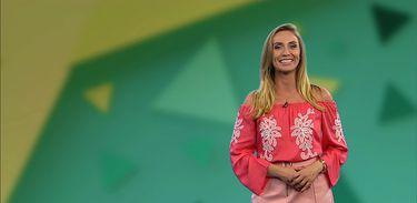 Jornalista Karina Cardoso apresenta o Caiu no Enem