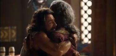Arão abraça Anrão