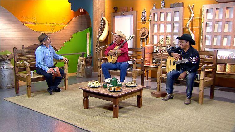 Os violeiros Zalico & Zalinho contam no programa Brasil Caipira sobre a trajetória artística
