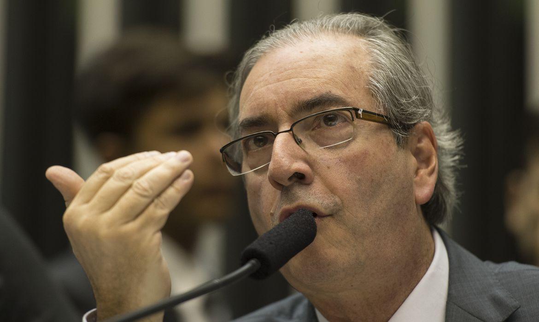 Presidente da Câmara, Deputado Eduardo Cunha, em sessão para discutir sobre o projeto que regulamenta a terceirização na iniciativa privada enas empresas públicas e de economia mista (Marcelo Camargo/Agência Brasil)