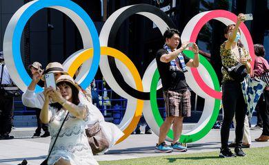 Olimpíada de Tóquio - anéis olímpicos - estádio nacional - selfies