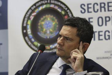 O ministro da Justiça e Segurança Pública, Sergio Moro, fala sobre a  Operação Luz da Infância 4, que cumpre mandados de busca e apreensão contra acusados de crimes de abuso e exploração sexual de crianças e adolescentes na internet.