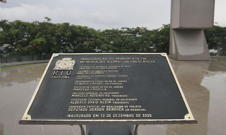 Inauguração do Monumento em Memória às Vítimas do Holocausto, no Morro do Pasmado, zona sul do Rio de Janeiro.