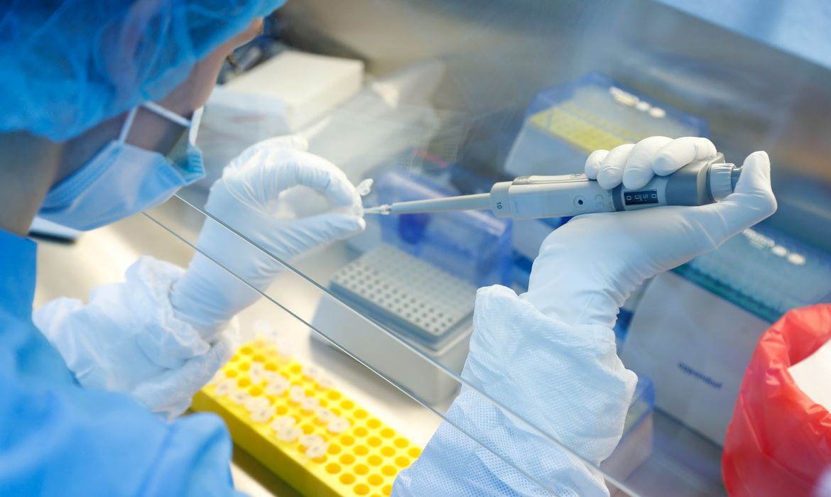 Scientists develop a vaccine against the coronavirus disease in Saint Petersburg