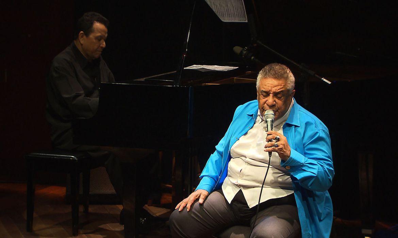 Todas as Bossas que a TV Brasil exibe às 22h30 de sexta (31) apresenta um show do cantor e compositor Agnaldo Timóteo gravado em janeiro de 2018, em comemoração aos 80 anos do cantor. O espetáculo aconteceu no Centro da Música Carioca Artur da