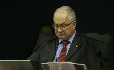 Ministro da Segunda Turma do STF Edson Fachin durante julgamento de ação penal proposta pela Procuradoria-Geral da República (PGR) contra a senadora Gleisi Hoffmann (PT-PR) e seu marido, o ex-ministro do Planejamento Paulo Bernardo.