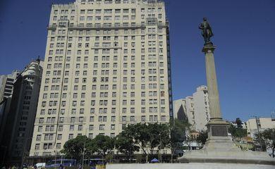Fachada do Edifício À Noite que teve seu tombamento oficializado pelo IPHAN na semana passada. O prédio foi sede da Rádio Nacional por décadas (Tânia Rêgo/Agência Brasil)