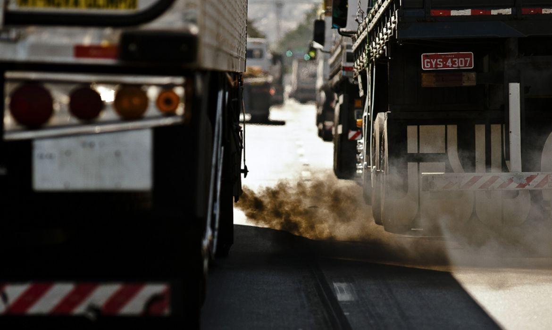 caminhões, poluição, Gases poluentes , trânsito