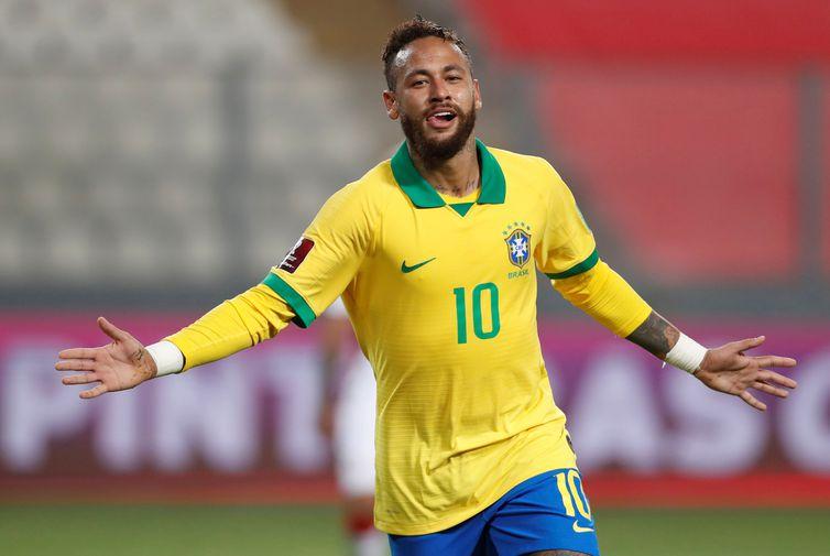 Neymar durante partida da seleção brasileira contra o Peru, em Lima/ Neymar, Fifa, Vice-Líder, gols, Pelé