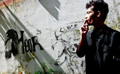 Uma em cada 10 mortes por doença no mundo é causada pelo tabagismo, alerta a OMS
