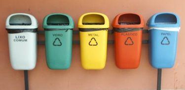 Cestas de reciclagem de lixo