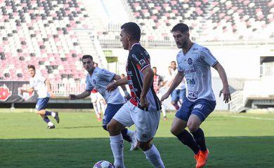 Caxias e Joinville se enfrentaram em Joinville (SC), no primeiro turno da fase de grupos, com vitória por 2 a 0 do time da casa
