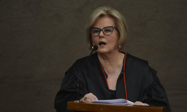 A presidente do Tribunal Superior Eleitoral (TSE), ministra Rosa Weber, discursa na cerimônia de diplomação do presidente eleito, Jair Bolsonaro, no TSE.