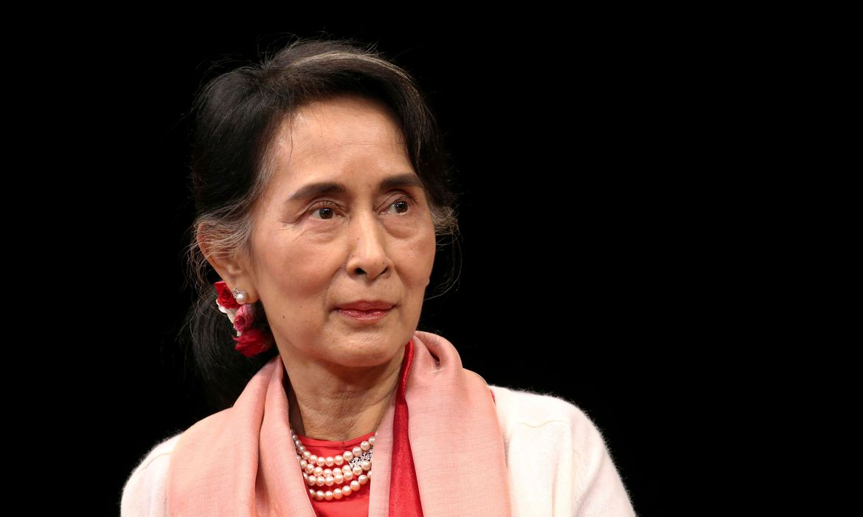 Arquivo: Presidente de Myanmar Aung San Suu Kyi