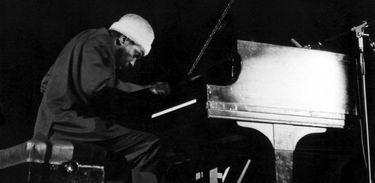 Thelonius Monk foi um pianista e compositor de jazz norte-americano