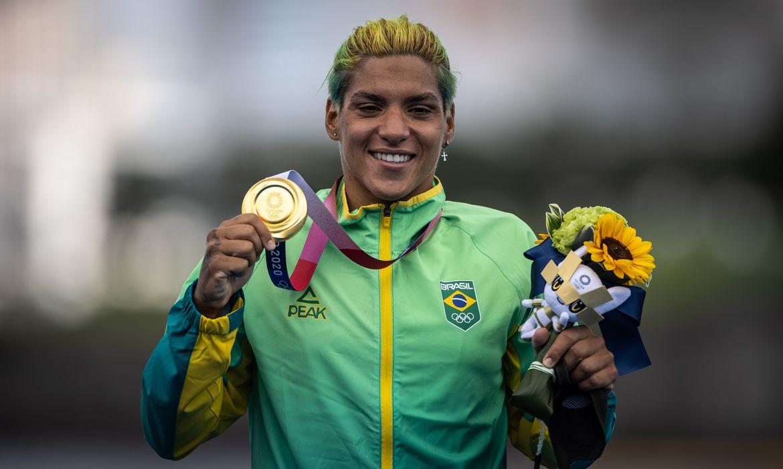 Ana Marcela Cunha conquista o ouro na maratona aquática - Jonne Roriz/COB