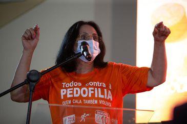 Ministra Damares Alves participa de cerimônia do Dia Nacional de Combate à Violência e Exploração Sexual de Crianças e Adolescentes, no Rio.