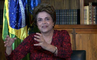 Brasília - A presidenta afastada Dilma Rousseff durante entrevista exclusiva com a TV Brasil, em parceria com a Rede Minas, gravada no último domingo, dia 5