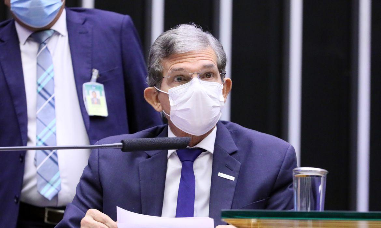 Debater a situação da operação das termoelétricas, o preço dos combustíveis e outros assuntos relacionados à Petrobrás. Presidente da Petrobras, Joaquim Silva e Luna
