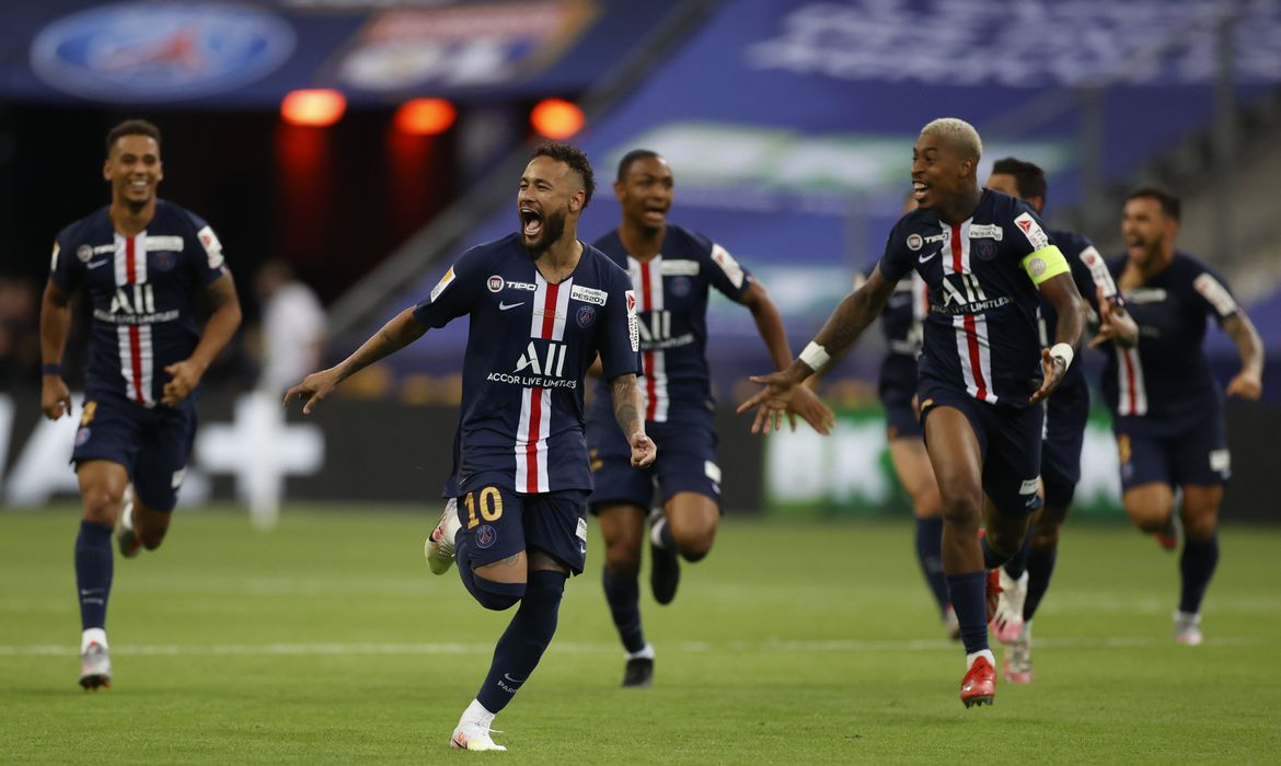 Coupe de la Ligue - Final - Paris St Germain v Olympique Lyonnais