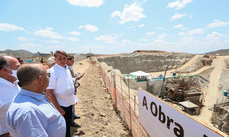 Obras do Ramal do Agreste na estação de bombeamento VII (EBVII-1), integrante do Projeto de Integração do Rio São Francisco.