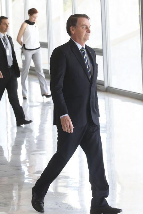 Presidente do Paraguai é recebido por Bolsonaro no Palácio do Planalto