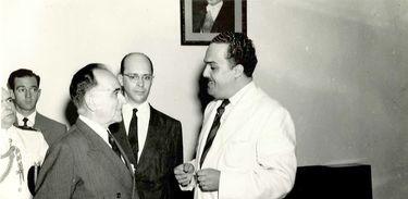Getúlio Vargas visita Rádio MEC