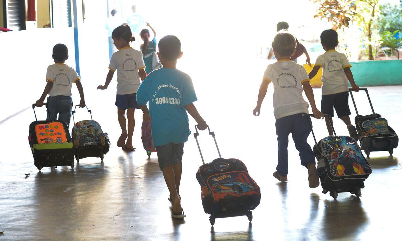 Crianças do Centro de Educação Infantil do Núcleo Bandeirante.