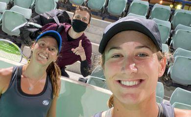 Dupla tenta vaga na final do WTA de Abu Dhabi