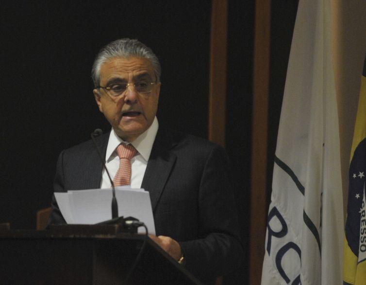 O presidente da Confederação Nacional da Indústria (CNI), Robson Andrade, fala durante audiência pública do Tribunal de Contas da União sobre o setor elétrico (Antônio Cruz/Agência Brasil)