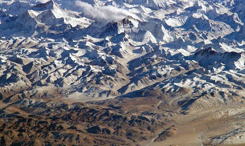 Tempestade de neve mata alpinistas em montanha no Nepal