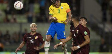 Venezuela 1 x 3 Brasil
