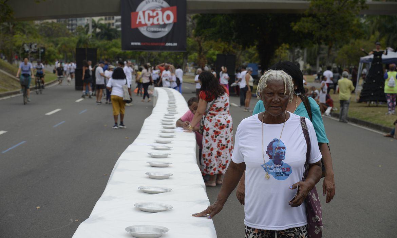 Rio de Janeiro - Ação da Cidadania lança campanha Natal sem Fome no Aterro do Flamengo(Tomaz Silva/Agência Brasil)