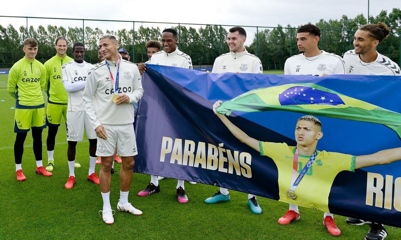 Richarlison é homeageado pelo time do Everton pelo ouro na Olimpíada de Tóquio 2020 - em 11/08/2021