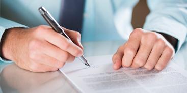 Licitações e contratos pertinentes a obras, serviços, publicidade etc