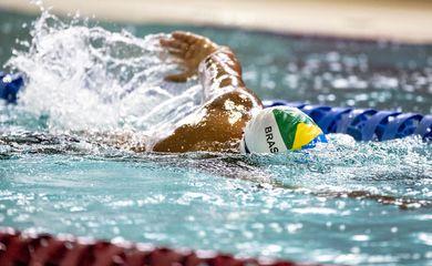 treino de natação no CT Paralímpico