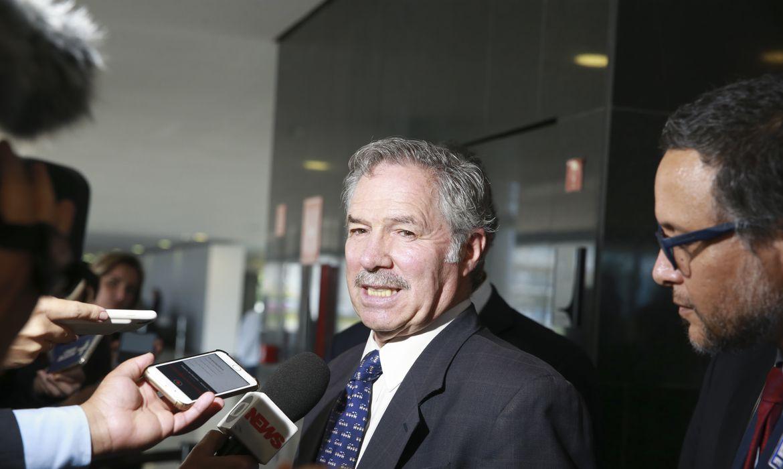 O ministro das Relações Exteriores e Culto da República Argentina, Felipe Solá, fala à imprensa no Palácio do Planalto