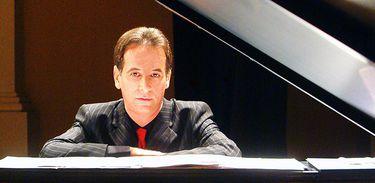 Pianista Flávio Augusto piano