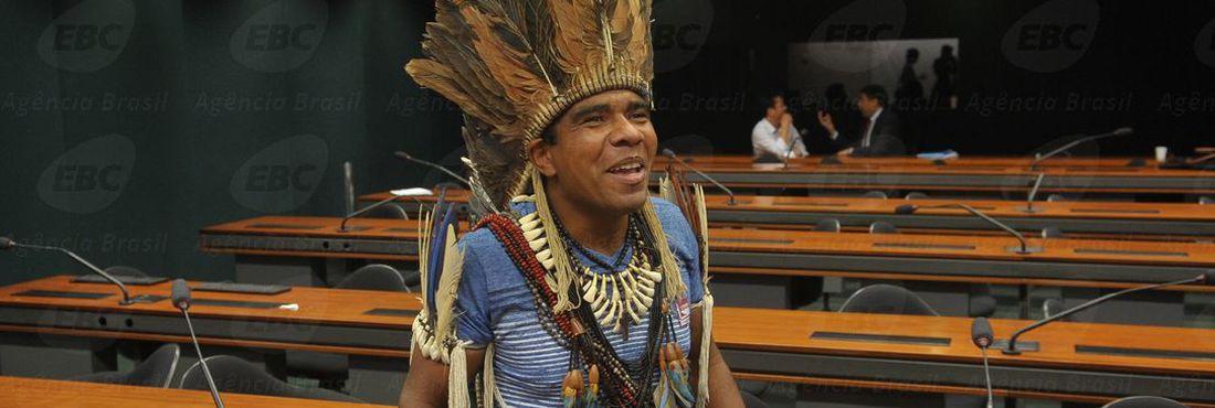 Com mandado de prisão expedido pela Justiça da Bahia, cacique Babau Tupinambá participa de audiência na Comissão de Direitos Humanos da Câmara