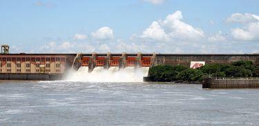 Com as chuvas abaixo da média, diminui os níveis de água dos reservatórios das hidrelétricas, traz interferência na geração de energia