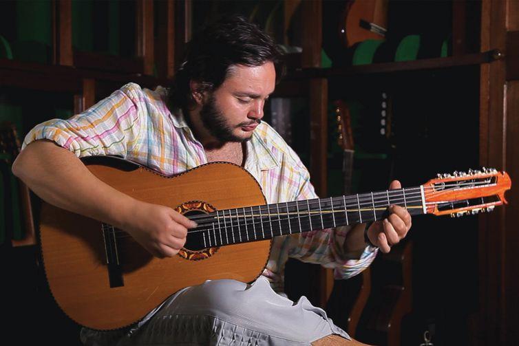 Yamandu toca de choro amúsica clássica brasileira