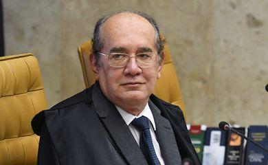 Ministro Gilmar Mendes durante sessão extraordinária do STF