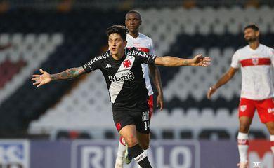Vasco vence CRB por 3 a 0 na série B