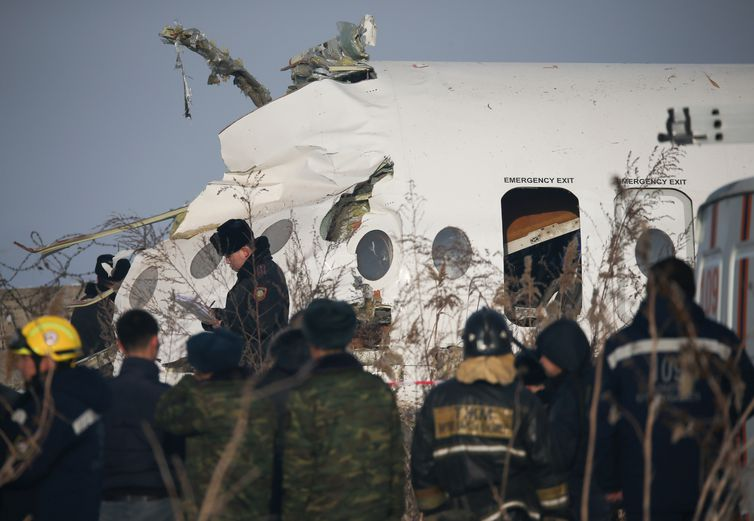 2019-12-27t104935z_1198044124_rc2m3e9ahdq1_rtrmadp_3_kazakhstan-airplane-crash