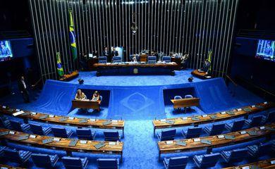 Brasília - Sessão do Plenário com os senadores Paulo Paim PT/RS e José Medeiros PPS/MT (Wilson Dias/Agência Brasil)
